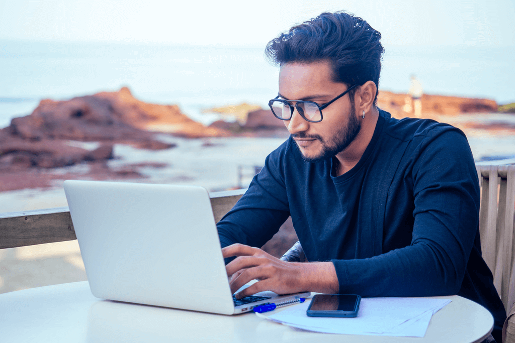 Reasons why you should hire a freelancer